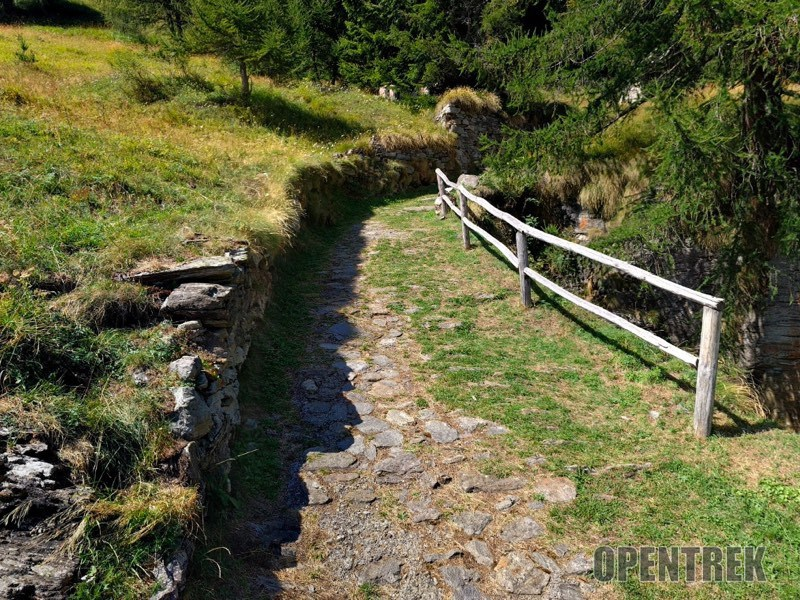 sentiero alpe devero